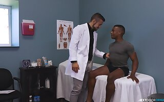 Muscular white doctor slides his dick in tight ass of a black patient
