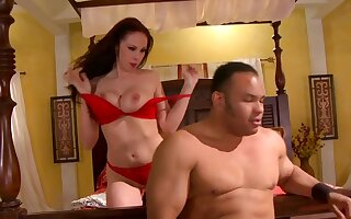 Cock hungry milf Gianna Michaels play with herself