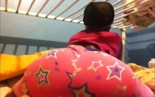 Shaking my sexy ebony ass on cam