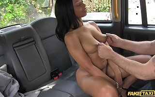 Interracial fucking in the back of the fake taxi with ebony babe Lola