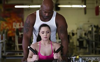 Great gym sex be incumbent on Tiffany Superstar sees her getting complying black dick